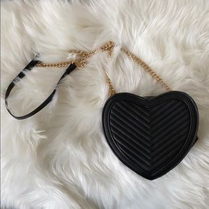 F21 Heart Shaped Crossbody Bag with Gold Chain
